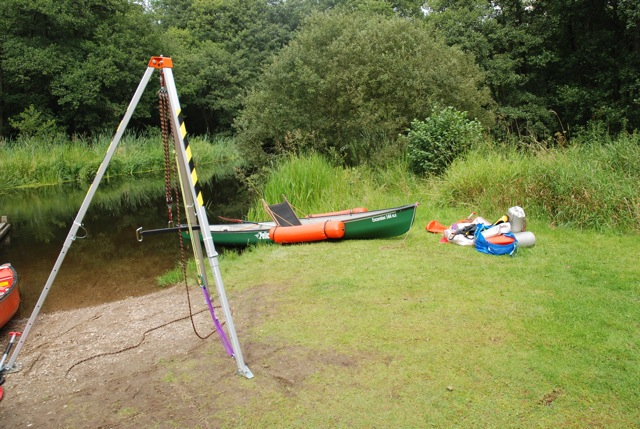 Lift with sling from transportable lift tower to canoe or kayak